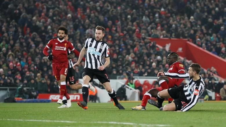 Kalahkan Newcastle, Liverpool Naik ke Peringkat Dua