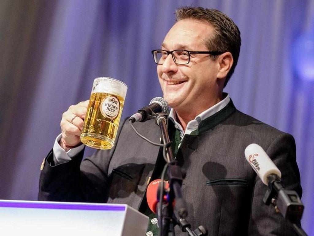 Rakyat Berhak Hina Politikus di Austria