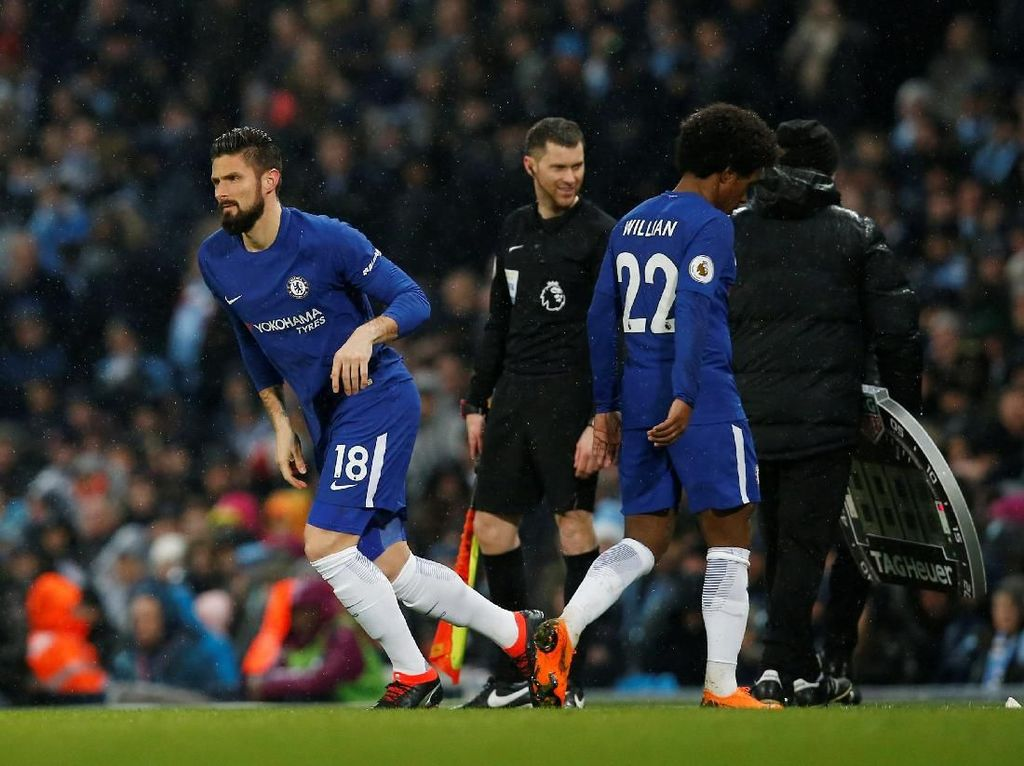Chelsea yang Tragis: Disanksi FIFA, Jual Hazard, Tak Punya Manajer