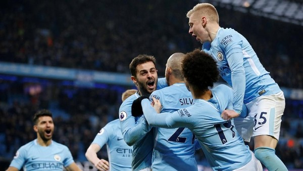 Manchester City: 1 Laga, 902 Operan