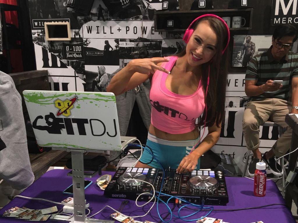 Foto: Olahraganya Lauren Pappas, Fit DJ Cantik dari Amerika Serikat