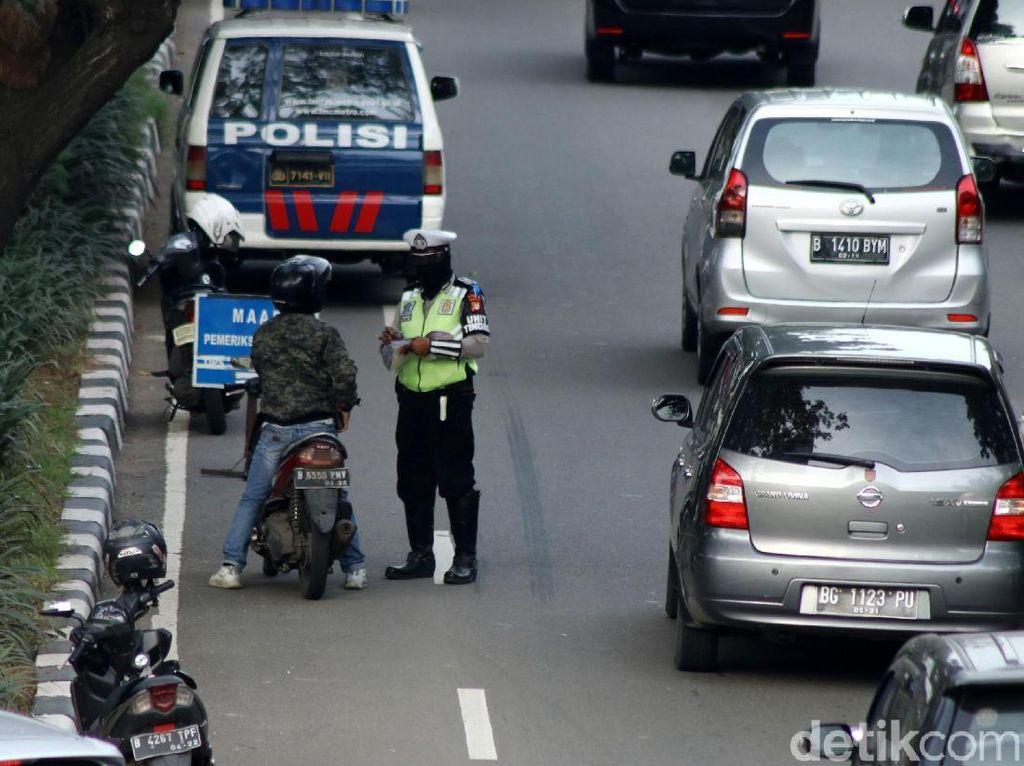 Terobos Jalur Cepat, Pemotor Terjaring Operasi Keselamatan Jaya