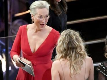 Ternyata hal itu dilakukannya untuk menemui Meryl Streep.Kevin Winter/Getty Images.