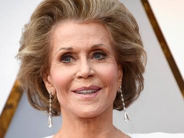 Aktris berusia 80 tahun itu tetap terlihat menawan. Frazer Harrison/Getty Images.