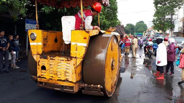 Sidak dan Bersih-bersih Pasar Keputran, Risma Punya Alasan Khusus