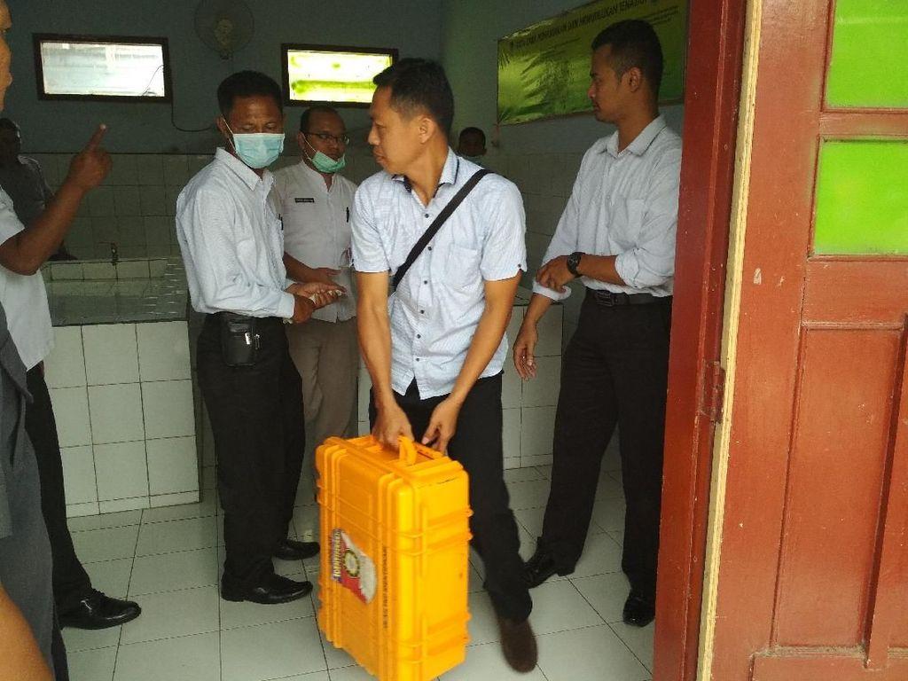 Seorang Wanita Tewas Diduga Digelonggong Air 5 Anggota Keluarganya