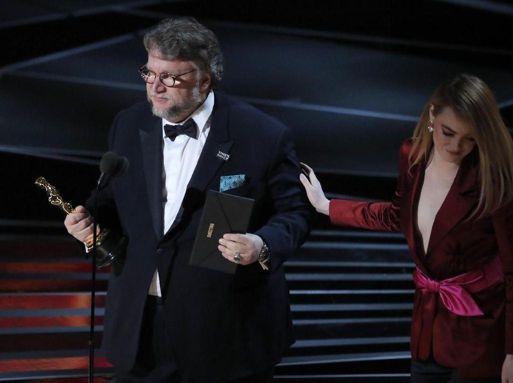 Guillermo del Toro Tulis Kumcer tentang Dunia Fantasi yang Aneh