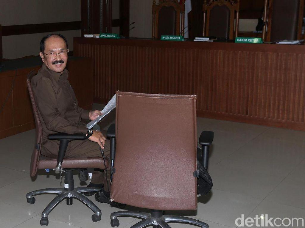 Eksepsi Fredrich Yunadi Ditolak Hakim