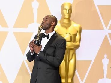 Kobe Bryant dengan film pendeknya Dear Basketball berhasil dapat Oscar pertamanya.Frazer Harrison/Getty Images.
