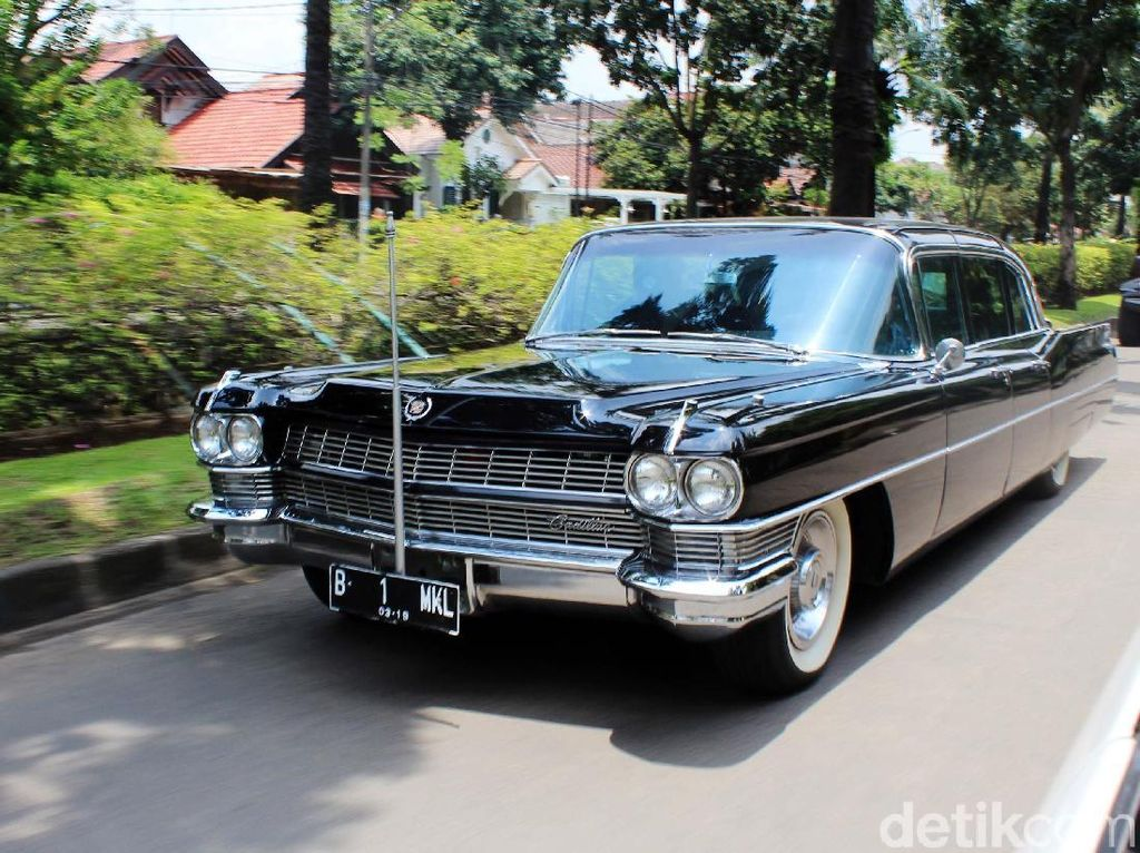 Dari 25 Mobil Kuno, Jimmy Lebih Sayang ke Mobil Bekas Sukarno
