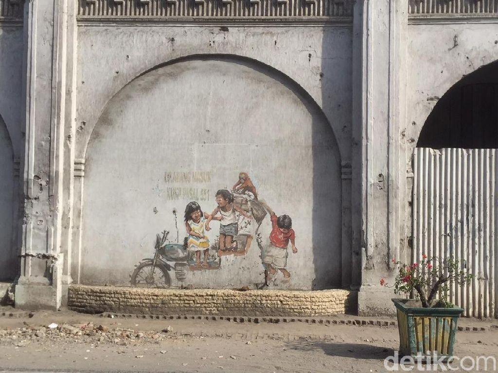 Foto: Becak yang Hilang dari Mural Karya Pelukis Dunia di Medan