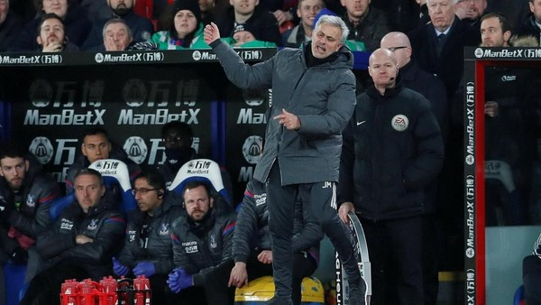 Mourinho Baru Sekali Kalah Lawan Sevilla