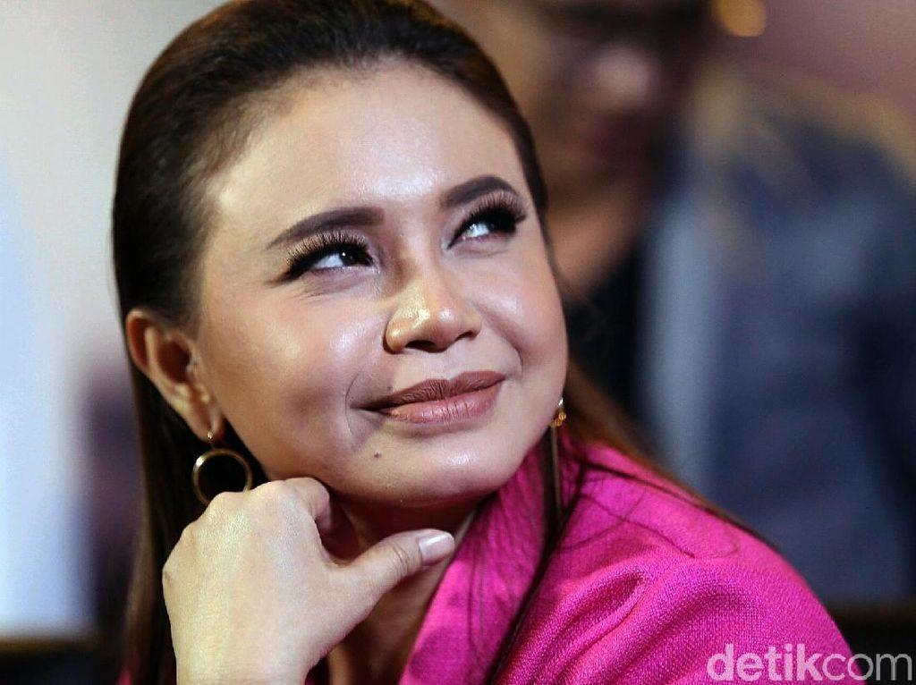 Selamat! Rossa Dapat Gelar Dato Sri dari Kerajaan Pahang Malaysia