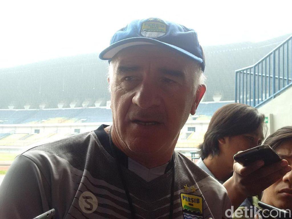 Tak Jadi Hadapi Persija Pekan Ini, Persib Fokus ke Madura United