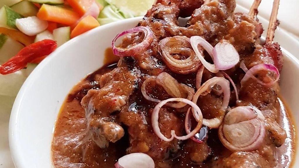 Buat Makan Siang, Ini 10 Pilihan Sate Ayam Enak dari Netizen