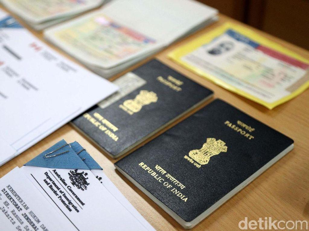 Kantor Imigrasi Pati Deportasi 8 WNA yang Tinggal di Daerahnya