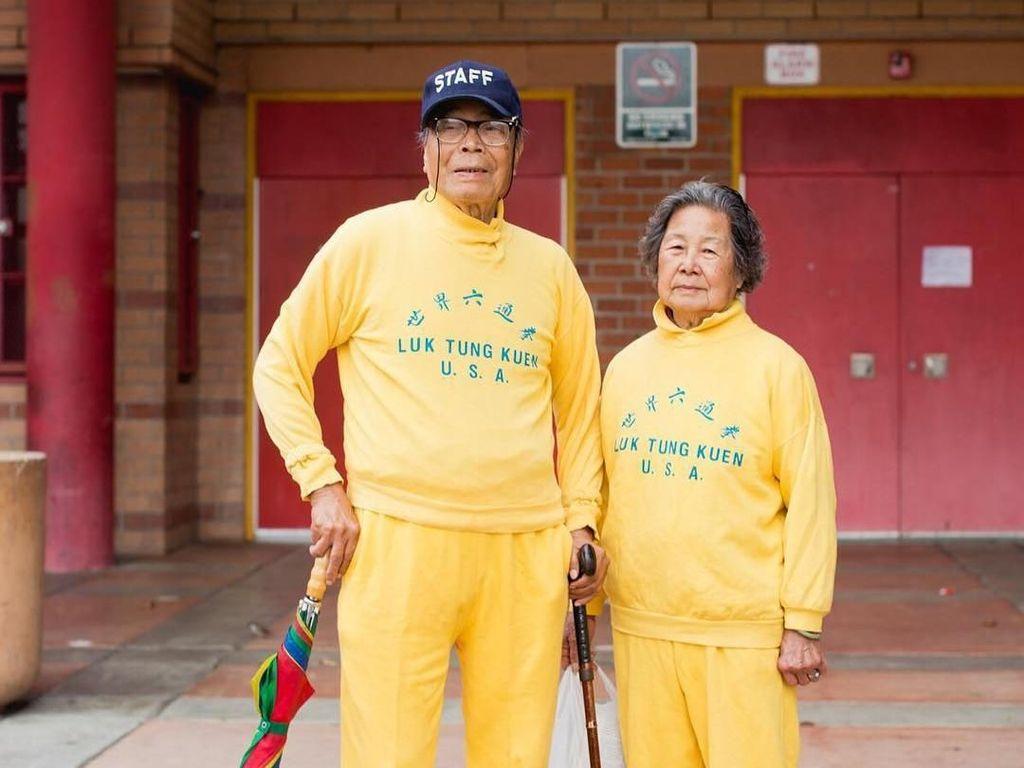 Foto: Ketika Kakek-Nenek Bergaya Swag Seperti Kids Zaman Now
