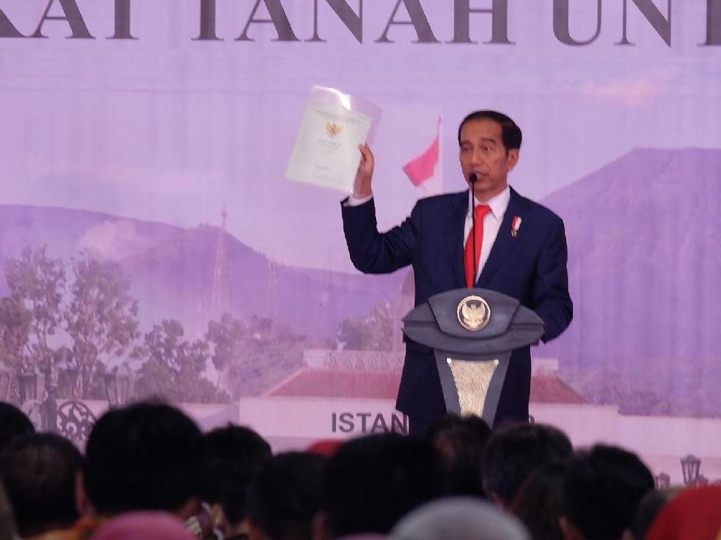 Jokowi Bagikan 15.000 Sertifikat Tanah untuk Warga Bogor