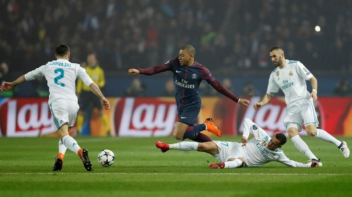 Paris Saint-Germain saat ditaklukkan oleh Real Madrid. (Foto: Gonzalo Fuentes/Reuters)