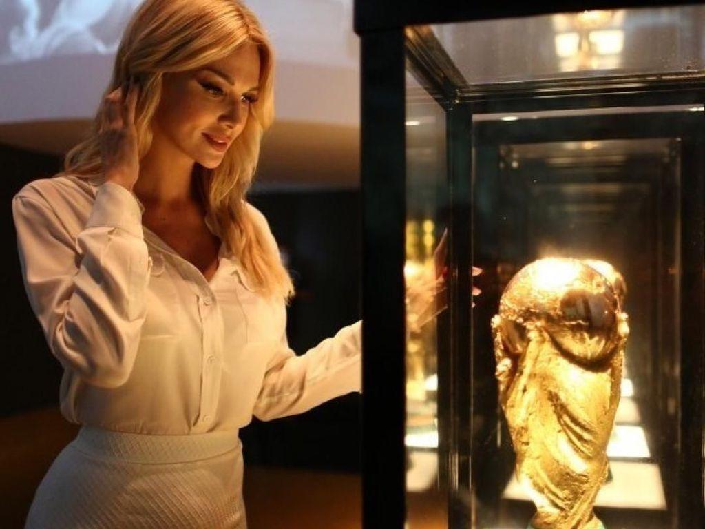 Terpesona Kecantikan Ambasador Piala Dunia 2018 di Instagram