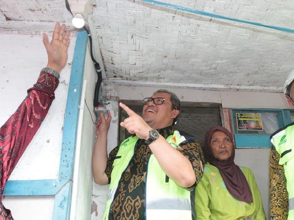 Warga di 991 Desa di Jabar Ini Kini Bisa Nikmati Listrik