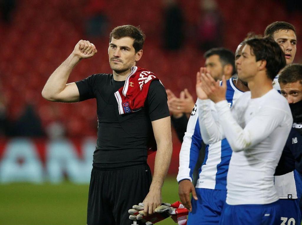 Terima Kasih Casillas untuk Suporter Liverpool