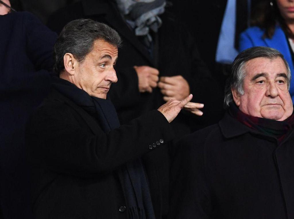 Eks Presiden Prancis Didakwa Terima Dana Kampanye dari Khadafi