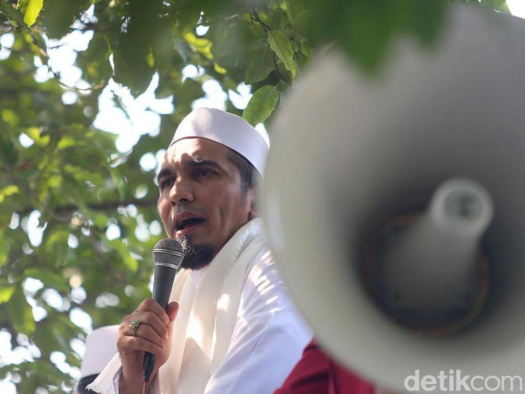FPI Jelaskan Khilafah Islamiyah dalam AD/ART yang Disorot Tito