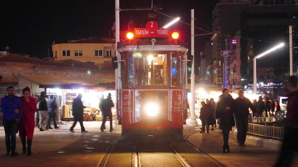 Foto: Tram Jadul Wujudnya Kayak Gini