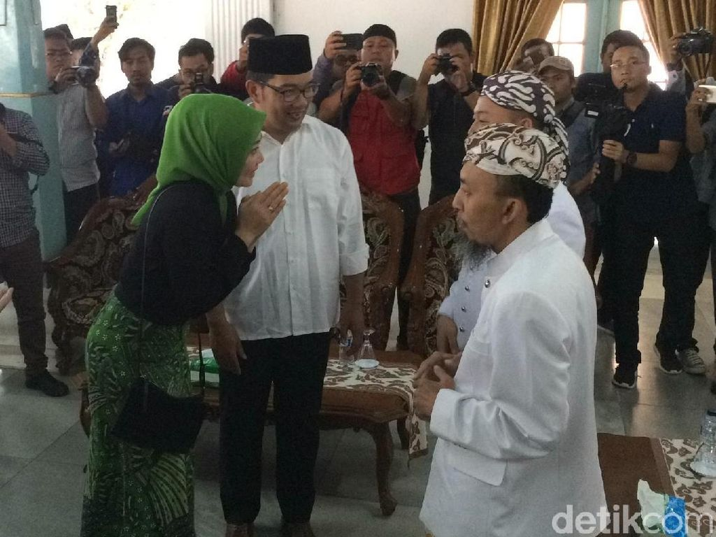 Ridwan Kamil Temui Sultan Kanoman Cirebon, Cerita Soal Silsilahnya