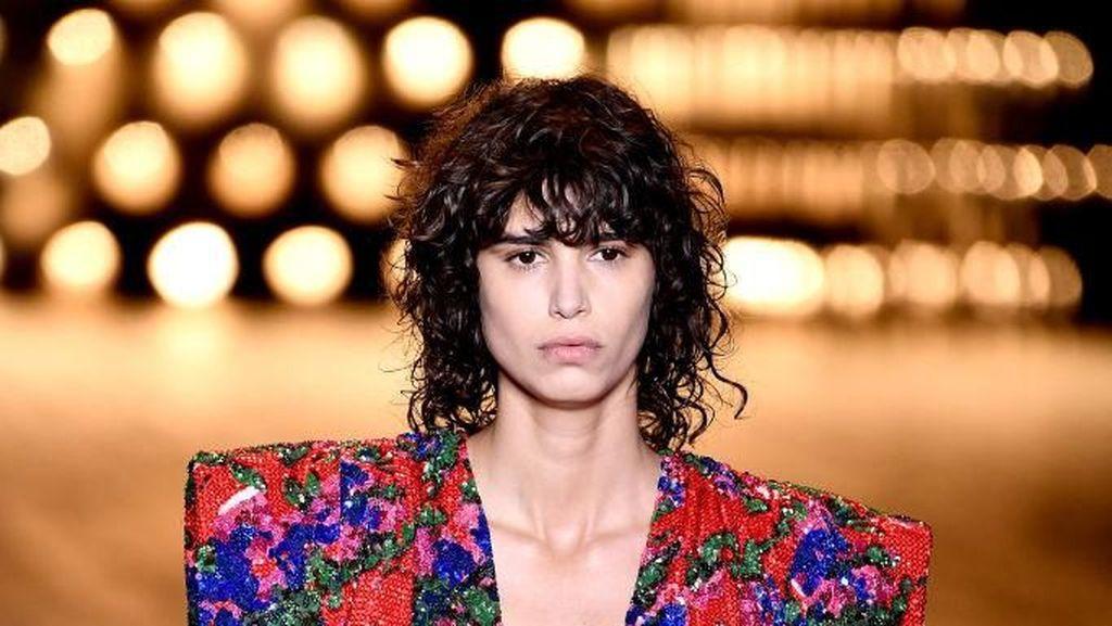 8 Top Tren Busana 80-an yang Muncul Lagi di Paris Fashion Week
