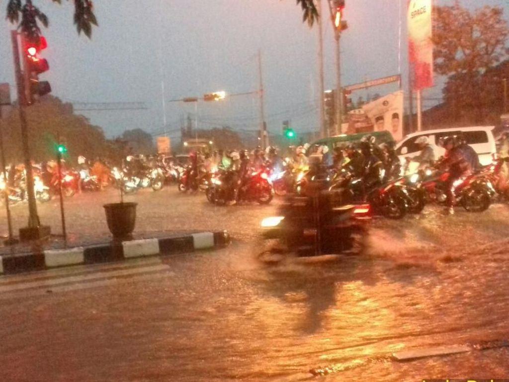 Hujan Deras di Bandung, Kawasan Gedebage Tergenang