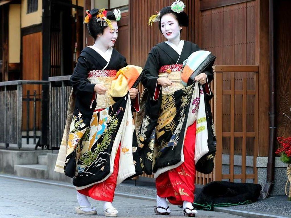 Kyoto Minta Turis Lebih Sopan