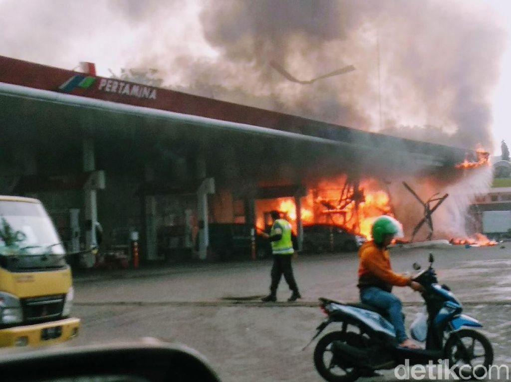 Foto: SPBU di Sidoarjo Terbakar, 1 Orang Tewas dan 5 Terluka