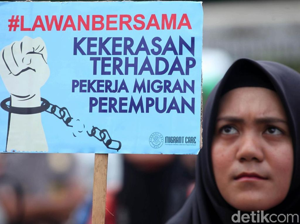 Peringati Hari Perempuan, Massa Demo DPR