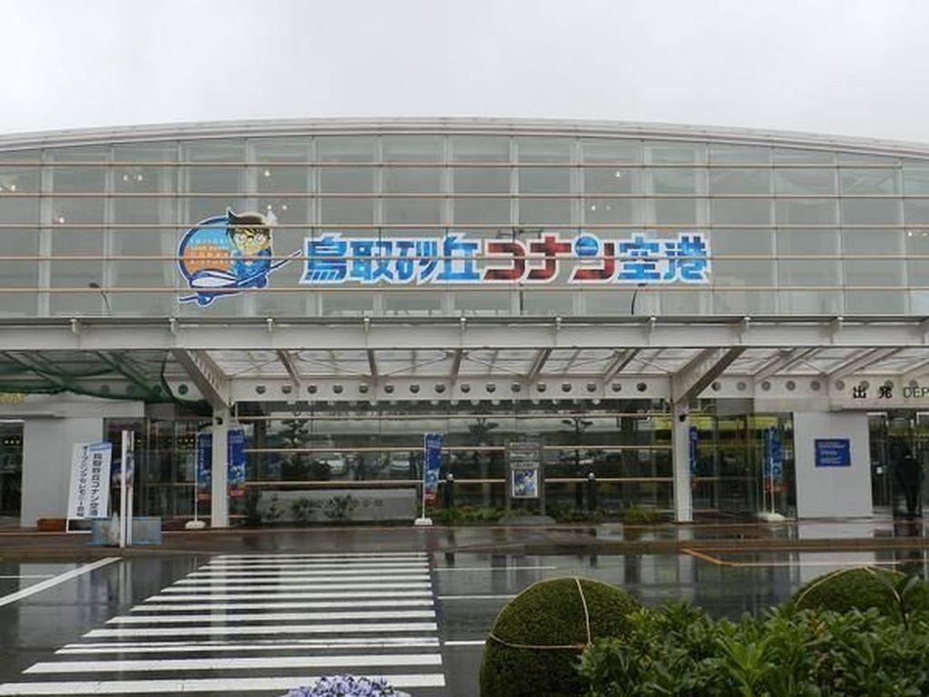 Suka Komik Detective Conan, Ini Ada Bandaranya Lho