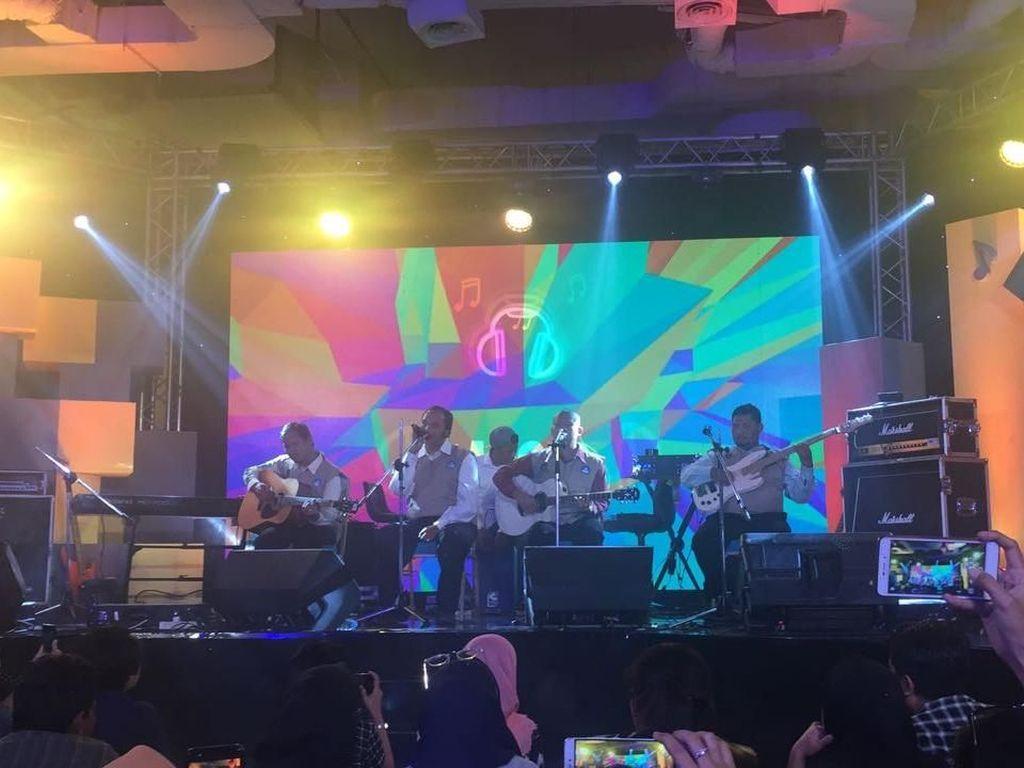 Aksi Talkback Bersama Sandiaga Uno, Ganjar dan Budi Karya Sumadi