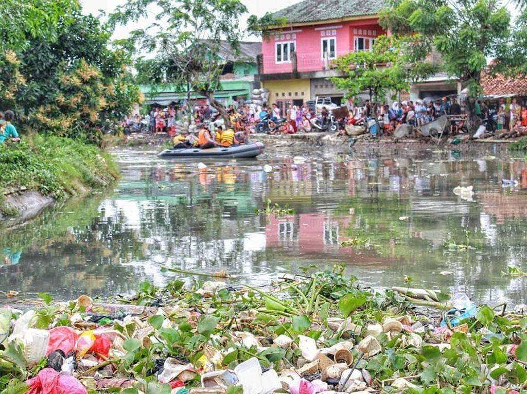 Hilang di Kali Penuh Sampah di Bekasi, Bocah Rohim Ditemukan Tewas
