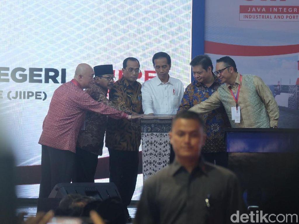 Jokowi Resmikan Kawasan Industri Terintegrasi di Gresik