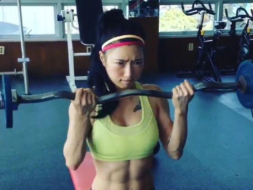 Foto: Ini Fitness Fairy, Artis Mukbang Cantik dengan Perut Sixpack