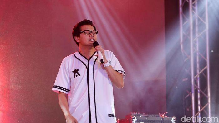 Vokalis Gigi Armand Maulana di acara DHot Music Day 2018. (Foto: Nugraha)