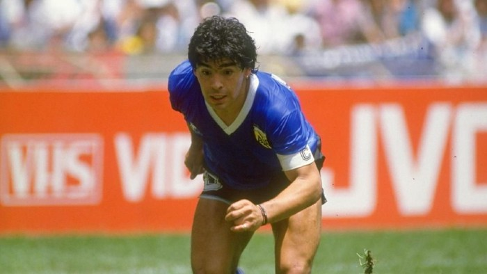 22 Jun 1986:  Diego Maradona of Argentina in action during the World Cup quarter-final against England at the Azteca Stadium in Mexico City. Argentina won the match 2-1.  Mandatory Credit: Allsport UK /Allsport