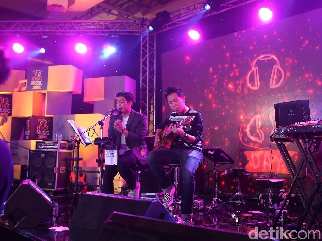 Bams Lepas Rindu di dHOT Music Day 2018