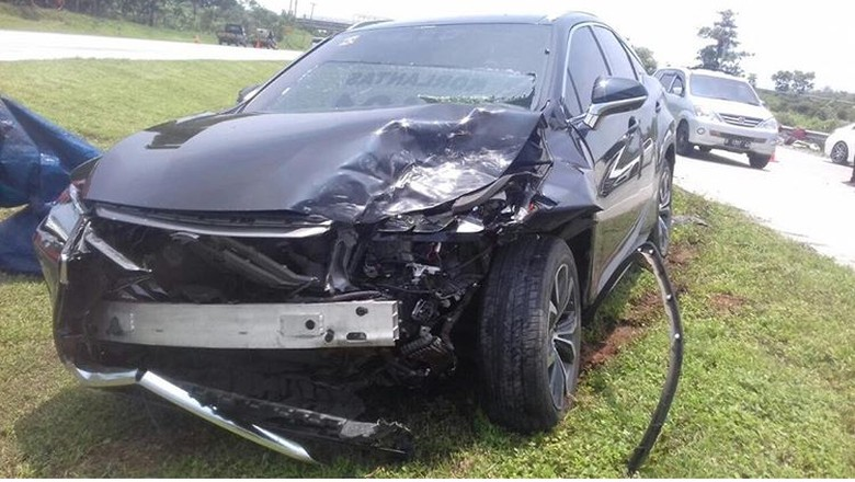 Mobil Hotman Paris Ikut Terlibat di Kecelakaan Konvoi Lamborghini
