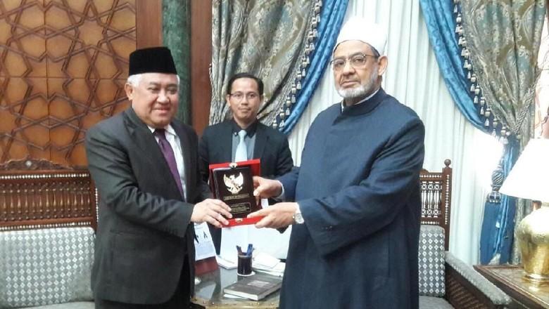 Diutus Jokowi, Din Syamsuddin Undang Imam Besar Al-Azhar ke RI