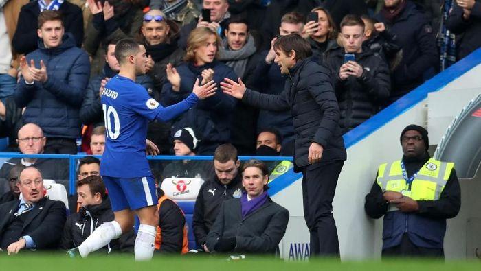 Antonio Conte enggan membalas kritik Hazard (Catherine Ivill/Getty Images)