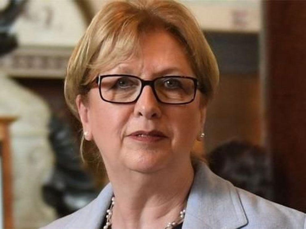 Mantan Presiden Irlandia Tuding Gereja Katolik Benci Perempuan