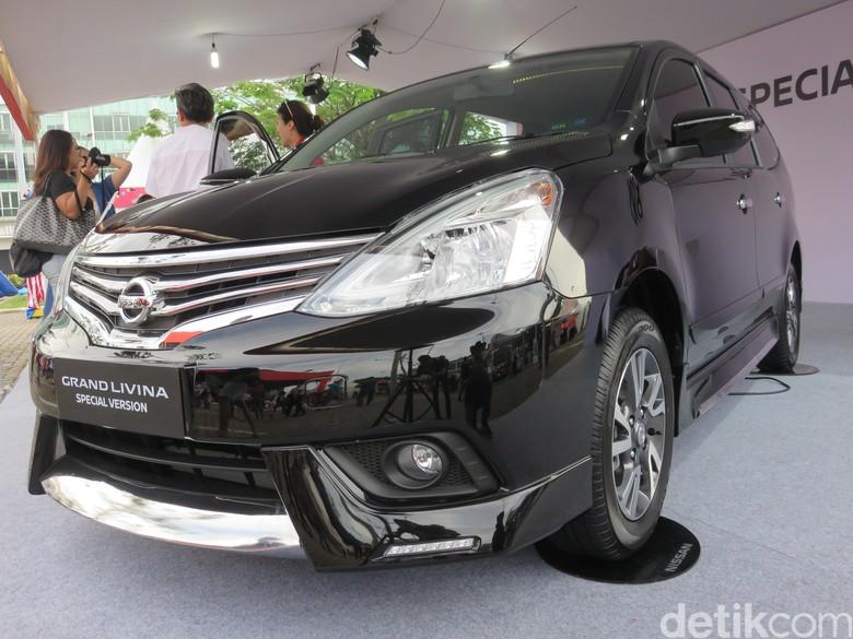 Nissan Grand Livina. Foto: Ruly Kurniawan