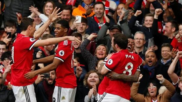 Rashford Bawa MU Unggul Dua Gol atas Liverpool