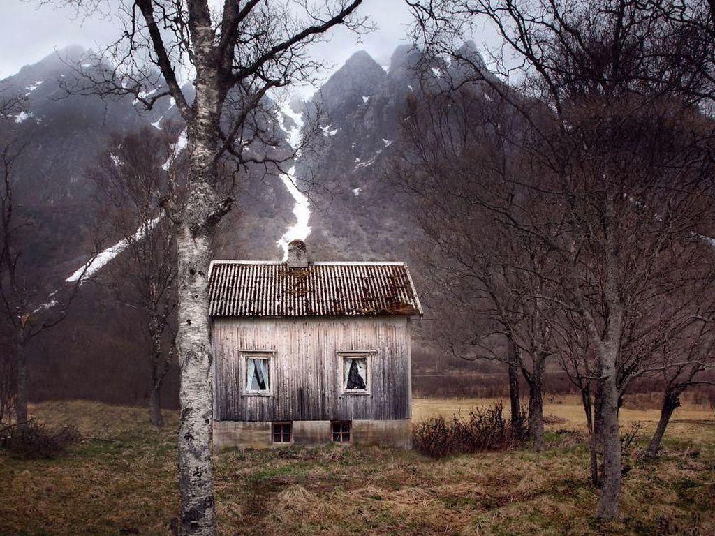 Deretan Rumah Hantu di Lingkar Kutub Utara